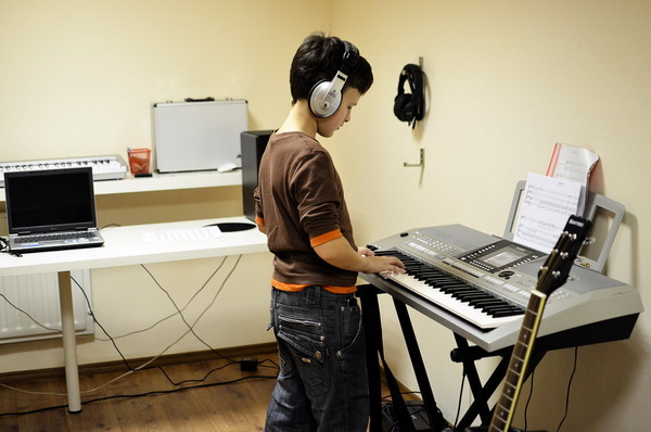 как обучать детей 4-5 лет на синтезаторе - фото 4